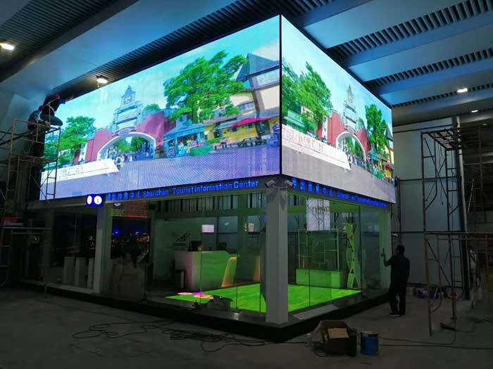 led玻璃屏门店墙体应用案例