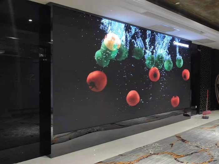 玻璃LED贴膜广告屏多少钱一平米?贴膜屏价格怎么计算?